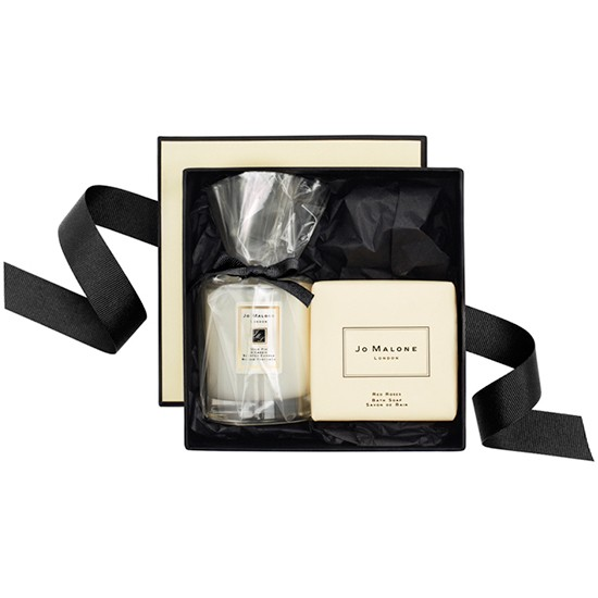 perfect treasures gift set from jo malone christmas. Black Bedroom Furniture Sets. Home Design Ideas