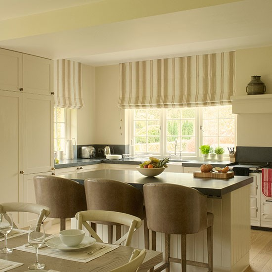 Kitchen Stools Uk: Cream Kitchen-diner With Leather Bar Stools
