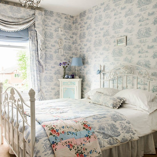 Guest bedroom | Detached Edwardian home in Worcestershire | House tour | PHOTO GALLERY | 25 Beautiful Homes | Housetohome.co.uk