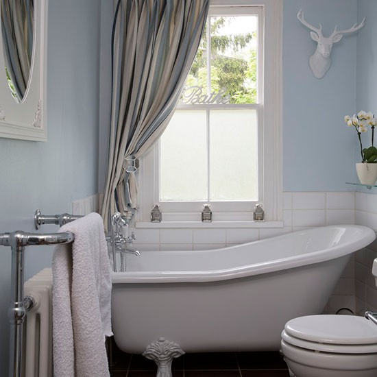 Bathroom step inside this victorian manor house in essex for Bathroom designs essex