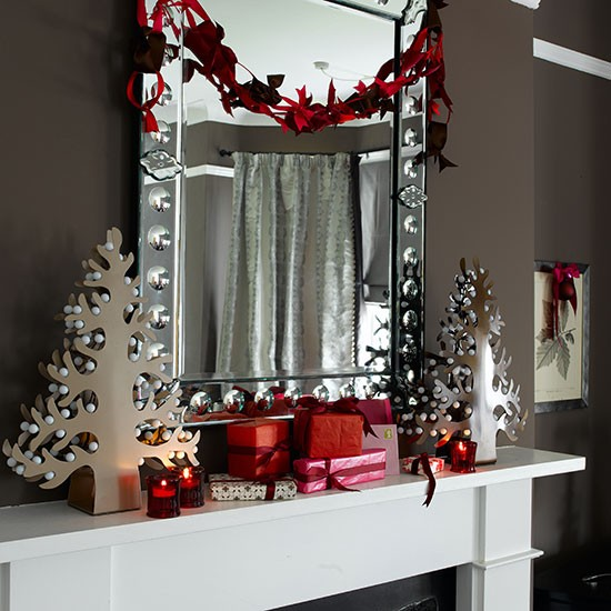 Modern Red And White Mantel Shelf Decorations Christmas