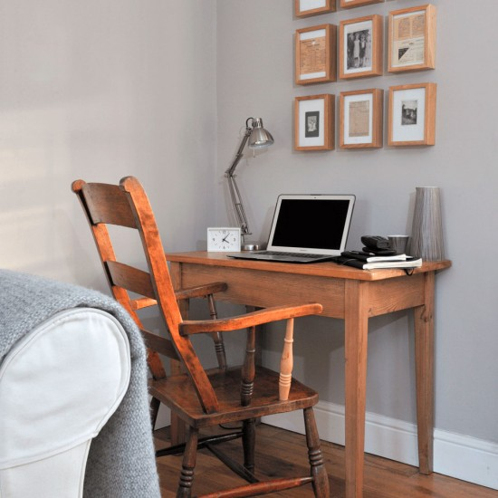 Living room corner office small home office design ideas for Stylish computer desk for living room
