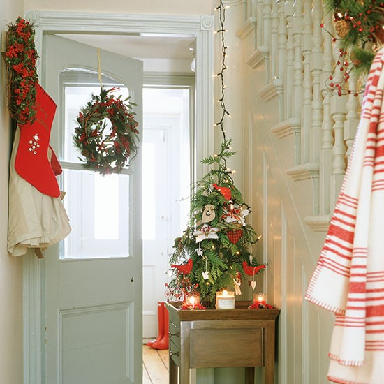 Hallway with christmas tree christmas hallway ideas How to decorate your hallway for christmas