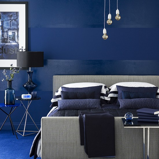 boy 39 s room in dramatic dark blue teenage boy 39 s bedroom