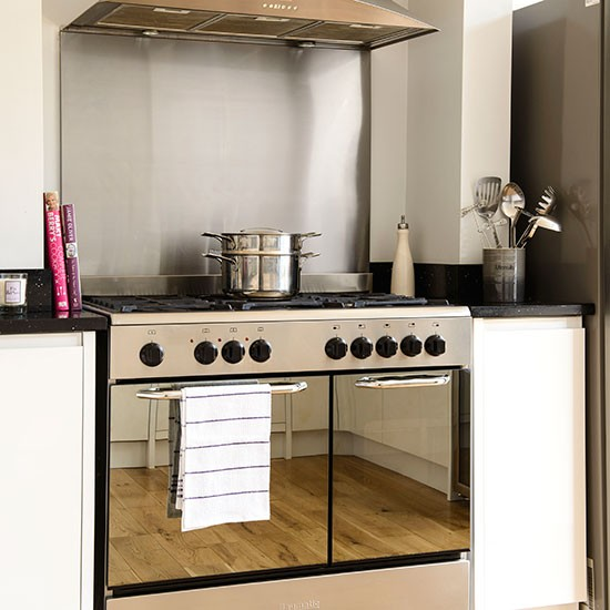 Kitchen With Stainless Steel Range Cooker Kitchen Decorating Housetohome