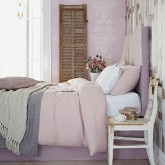 Beautiful shabby chic bedrooms to unwind in