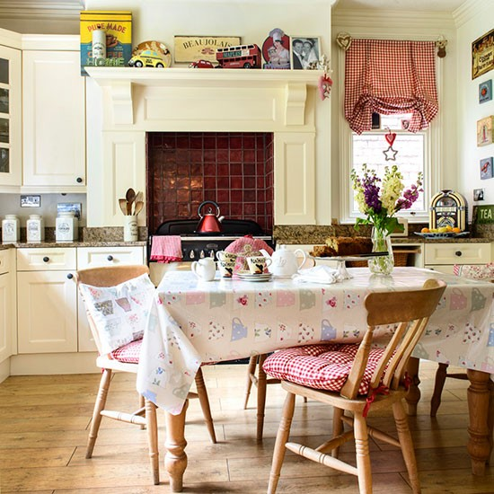 Eclectic Country Kitchen-diner
