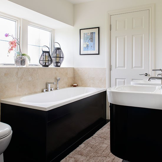 Great small bathroom decorating ideas at bathroom ideas for Black and cream bathroom ideas