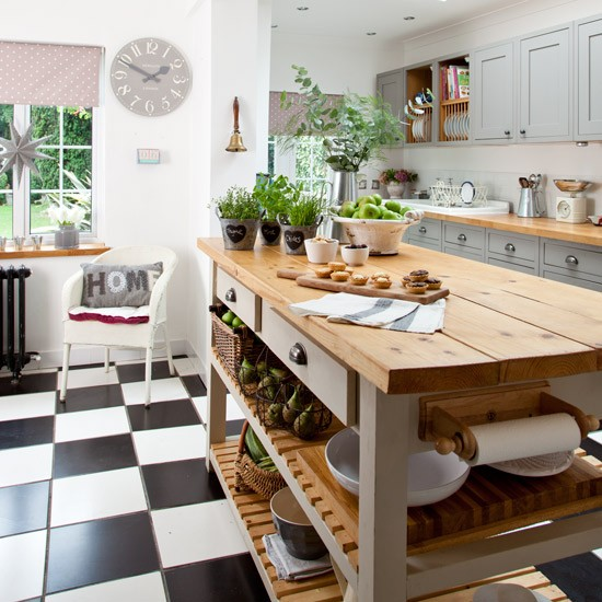 Makeover grey country kitchen for Grey and white country kitchen