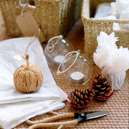 Homemade christmas baubles homemade christmas ideas for Homemade christmas decorations uk