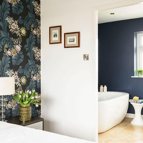 White and navy en suite bathroom | Bathroom decorating ...