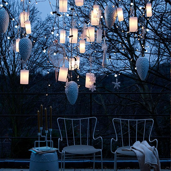 Hanging outdoor lanterns l Outdoor Christmas lighting ideas l Christmas 2013 l PHOTO GALLERY l Housetohome