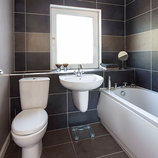 Bathroom house tour edwardian house in glasgow for Small bathroom design in malaysia