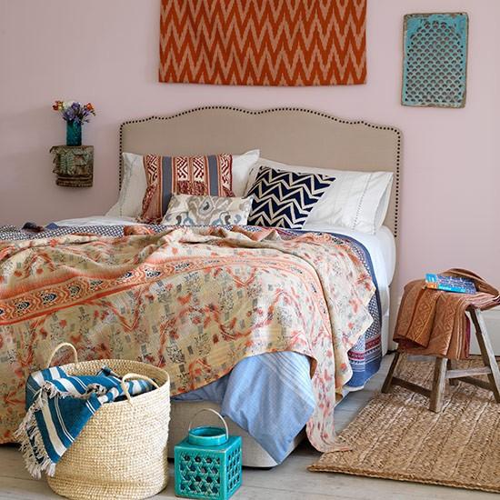 Eastern influenced bedroom country bedroom design ideas for Eastern bedroom designs