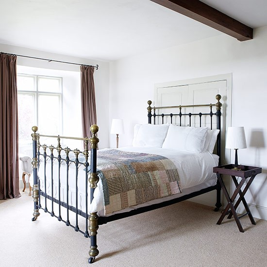 Classic country bedroom | Country bedroom design ideas | Bedroom | PHOTO GALLERY | Country Homes and Interiors | Housetohome.co.uk