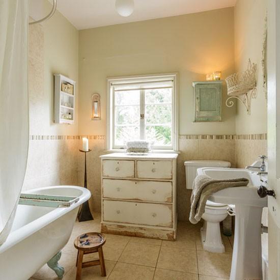 Bathroom house tour victorian home in norfolk for Victorian terrace bathroom ideas