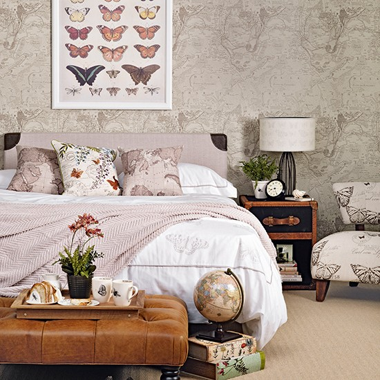 Vintage bedroom with collectables | Traditional bedroom design ideas | Bedroom | PHOTO GALLERY | Housetohome.co.uk