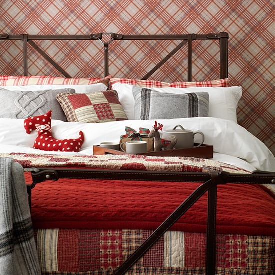 Traditional tartan-themed bedroom | Traditional bedroom design ideas | Bedroom | PHOTO GALLERY | Housetohome.co.uk