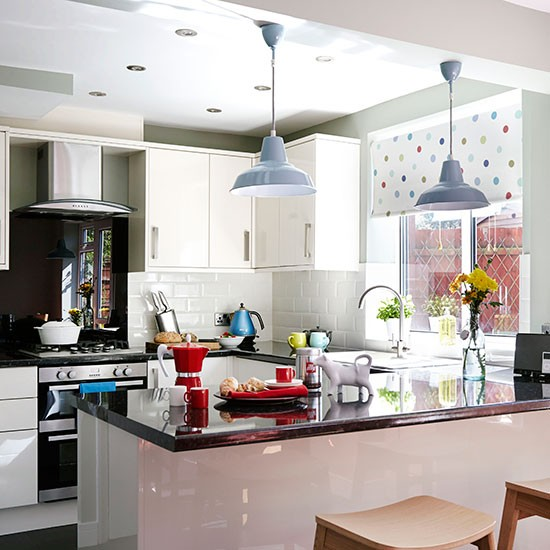 White gloss kitchen with granite worktops  Kitchen decorating  Style ...