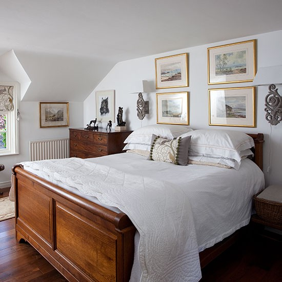 Main bedroom | County Antrim cottage | House tour | PHOTO GALLERY | 25 Beautiful Homes | Housetohome.co.uk