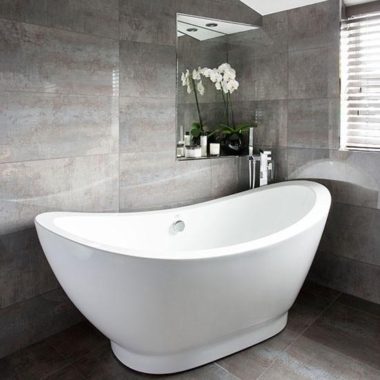 Grey bathroom with slipper bath decorating - Gray bathrooms ...