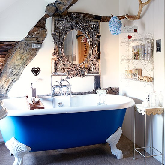 Country bathroom with blue roll top bath decorating for Vintage bathroom ideas uk