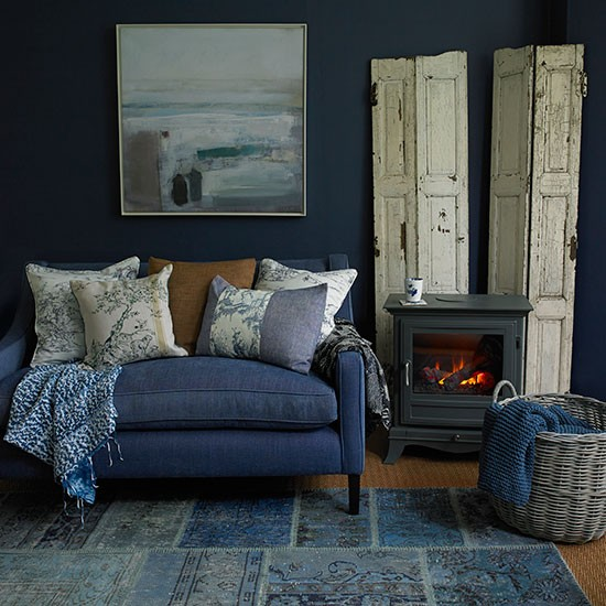 This midnight blue living room uses fashion favourite denim on country ...