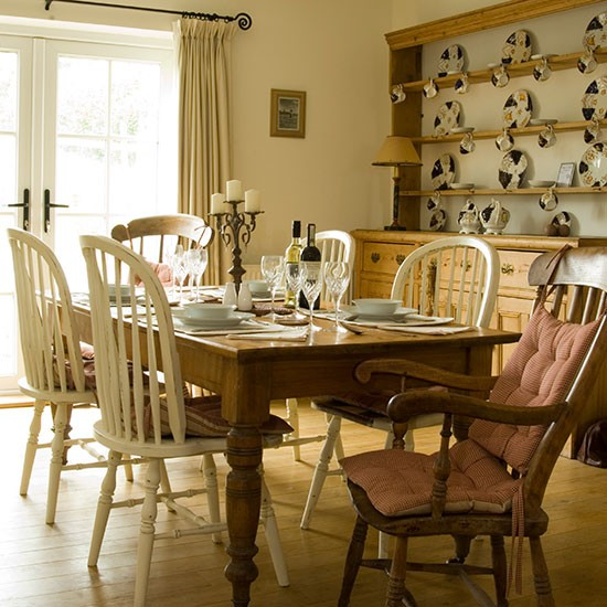 Country Dining Room With Farmhouse Table