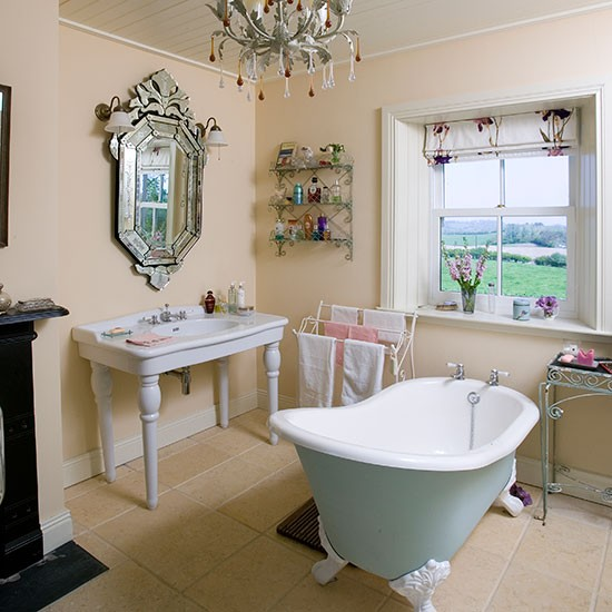 Bathroom | Take a tour around a rural home in County Down | | House tour | PHOTO GALLERY | 25 Beautiful Homes | Housetohome.co.uk