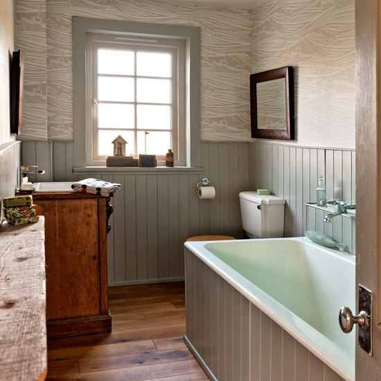 Traditional bathroom pictures house to home for Wood panelling bathroom ideas