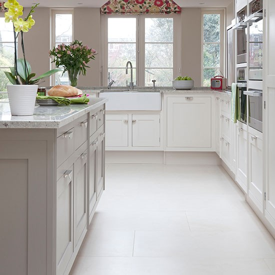 Pale grey and white traditional kitchen kitchen for Colour choice for kitchen