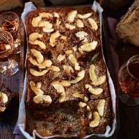 Parkin with apple and star anise
