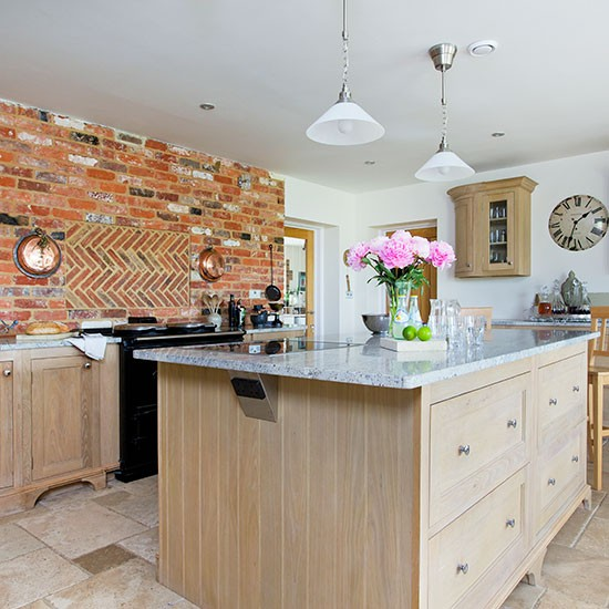 Traditional Kitchen With Oak Island Unit