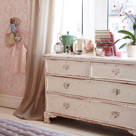 Shabby Chic Bedroom With Chest Decorating Housetohome