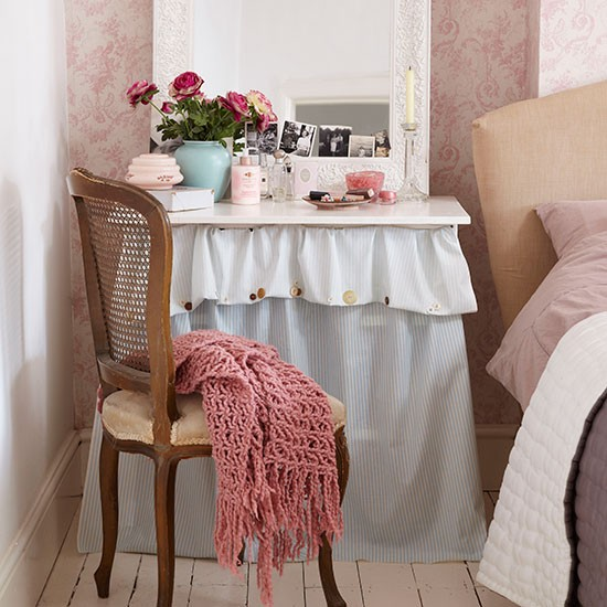 Traditional Pink Bedroom With Dressing Table Decorating