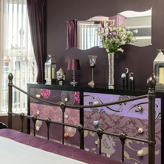 Brown bedroom with patterned storage decorating for Purple and brown bedroom designs