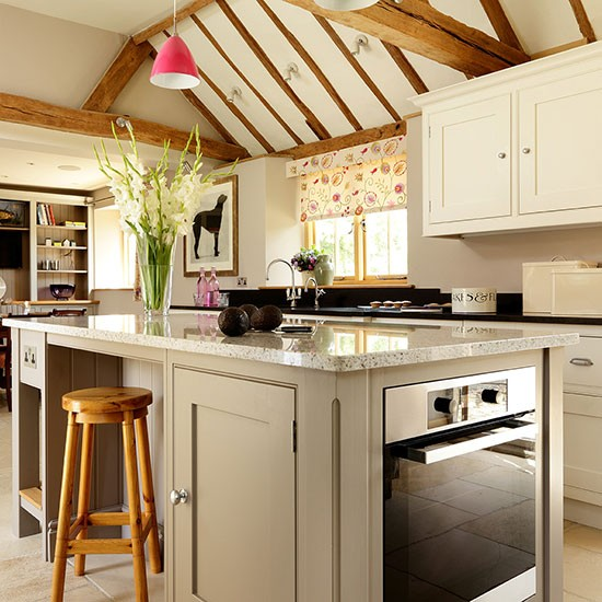 Classic country kitchen  Country kitchen design ideas  Kitchen
