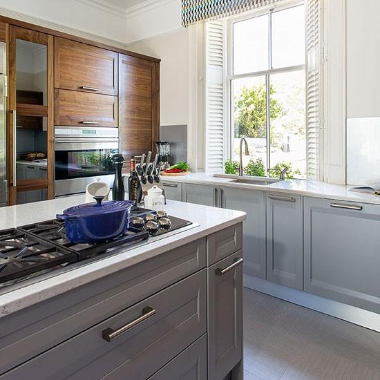 Grey Kitchen Island: Pale Grey Kitchen With Painted Island