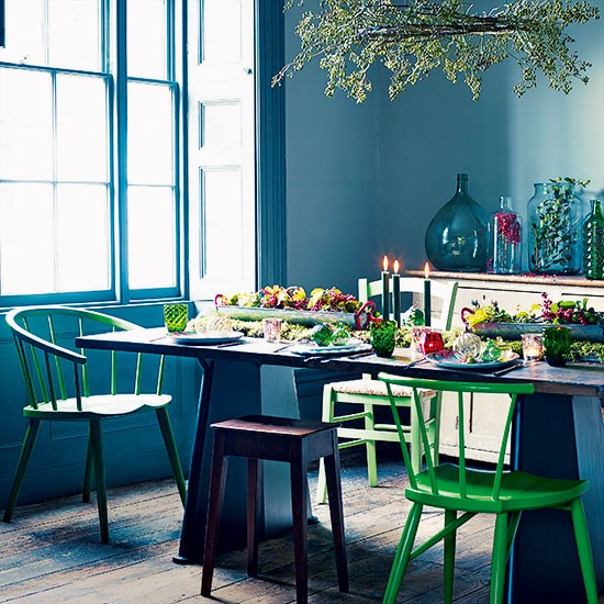 Teal and green christmas dining room decorating for Dining room ideas teal