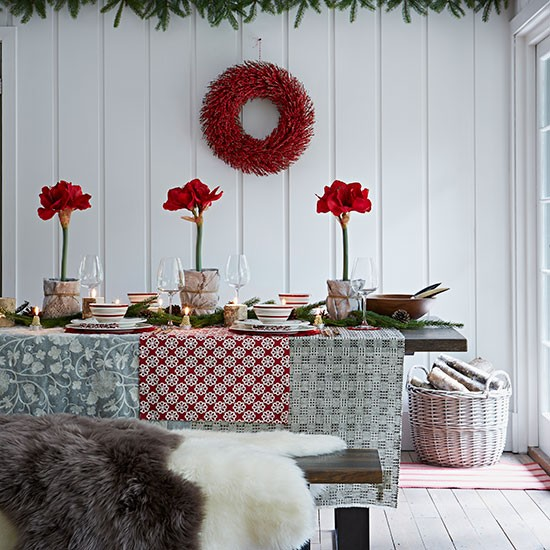 Red And White Scandi-style Dining Room