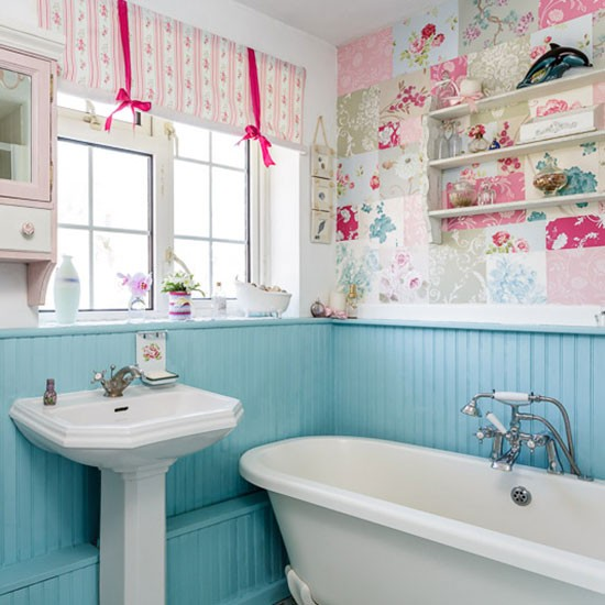 Bathroom | 1970s country-style home | House tour | PHOTO GALLERY | Style at Home | Housetohome.co.uk