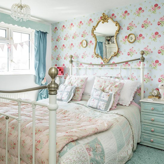 Bedroom | 1970s country-style home | House tour | PHOTO GALLERY | Style at Home | Housetohome.co.uk