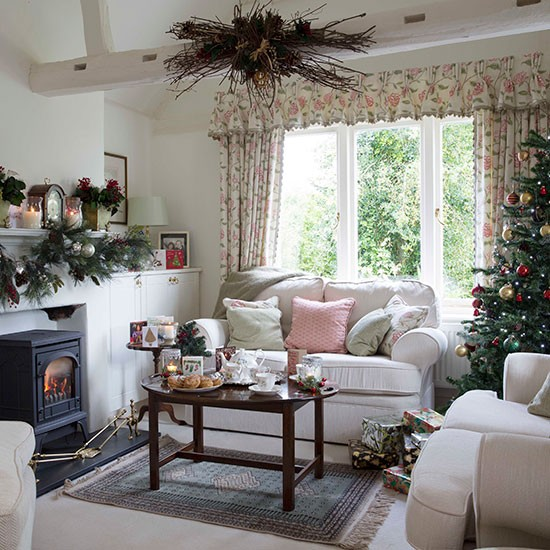 Country Christmas Living Room With Pink Accents