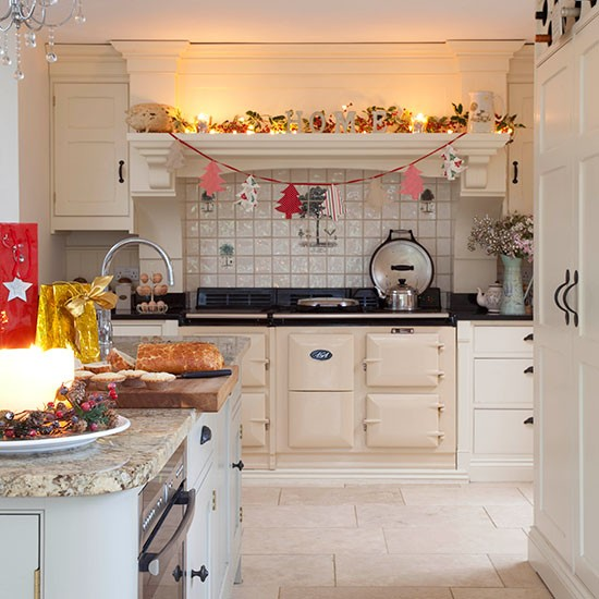 Farmhouse-style country kitchen | Kitchen decorating | 25 Beautiful Homes | Housetohome.co.uk