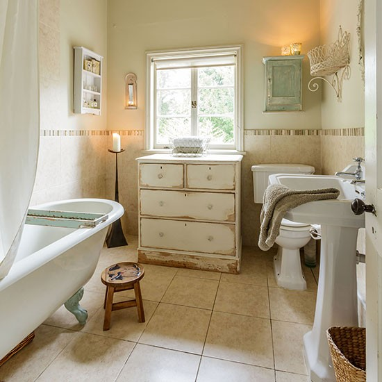 Shabby chic bathroom designs and inspiration housetohome - Salle de bain style shabby ...