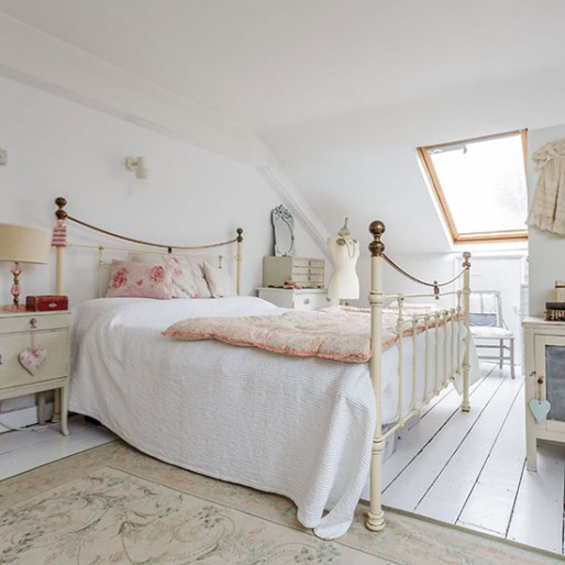 White Vintage Bedroom Ideas Red Bedroom Chairs New Style Bedroom Bed Design Kids Bedroom Colour Schemes: Bedroom Ideas & Designs