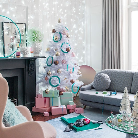Pastel Colors And Creativity Turning Rooms Into Modern: Modern Pastel Living Room With Christmas Tree