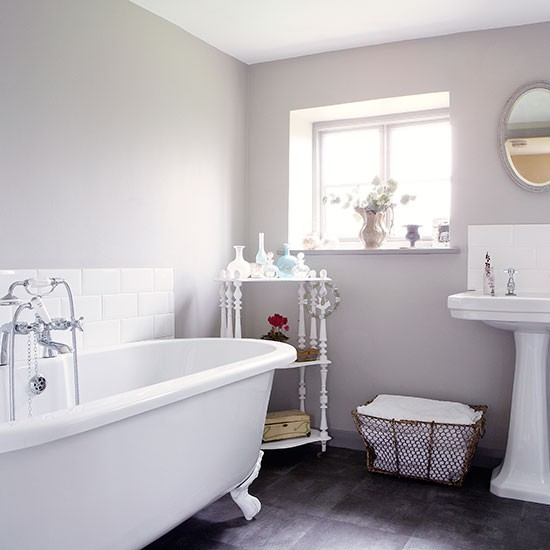 Bathroom Design Grey And White Pale Grey And White Roll Top Bathroom Country Homes And Interiors