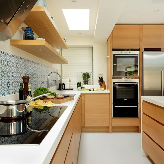 Veneered-oak L-shaped Kitchen