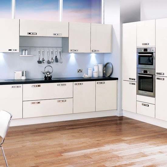 Off White L Shaped Kitchen Design With Island: L-shaped Kitchen Design Ideas